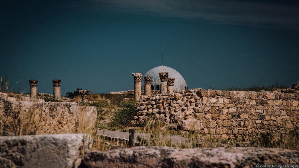 Цитадель (по-арабски — Джебель-аль-Каляа)