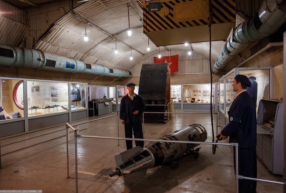 Вот так обслуживали торпеды в Балаклаве