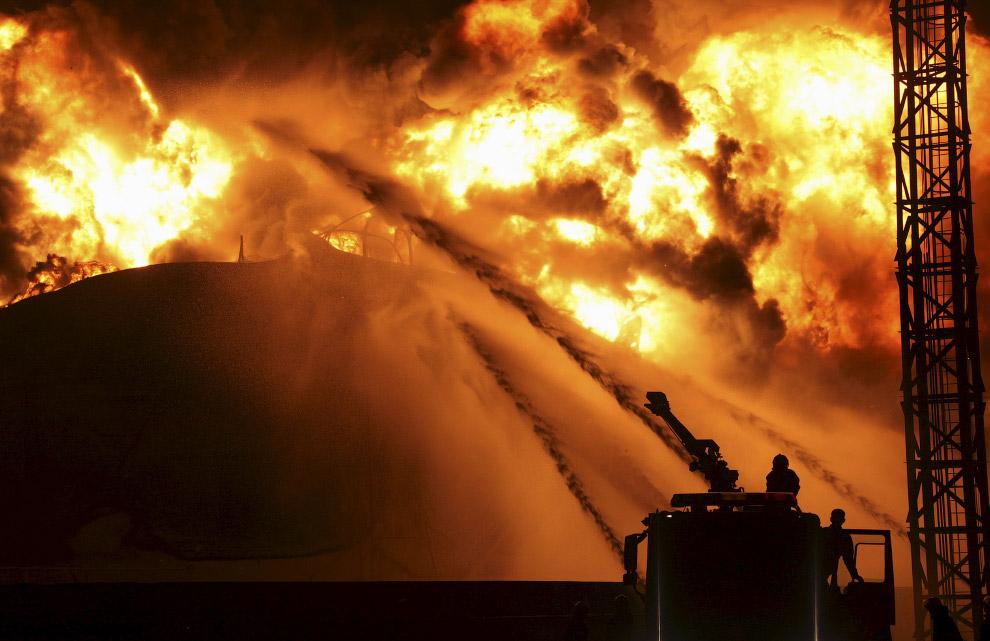 Работа пожарных всегда входит в список самых опасных профессий