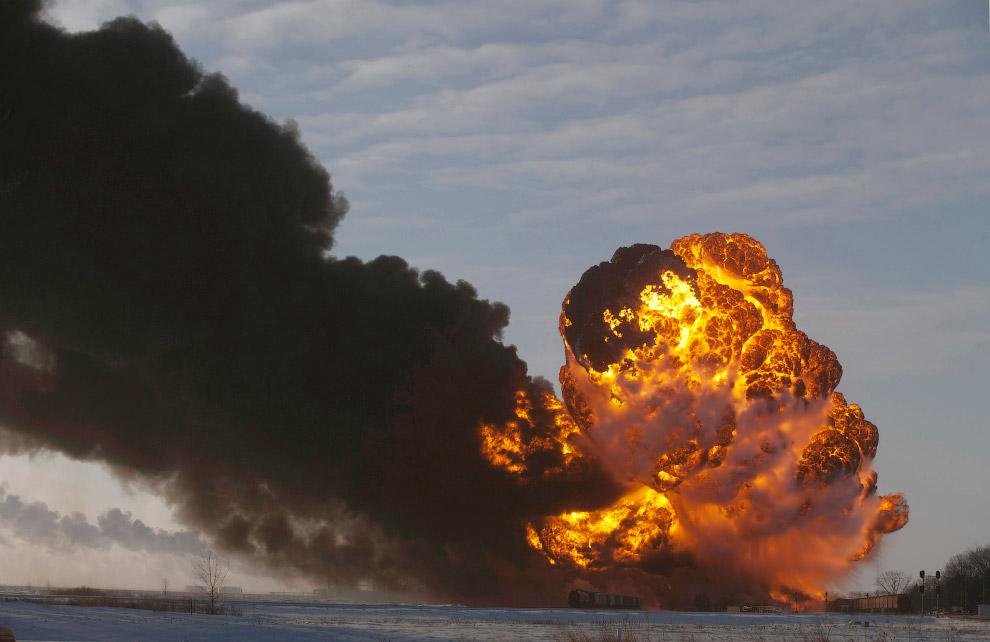 Крушение и взрыв поезда в штате Северная Дакота