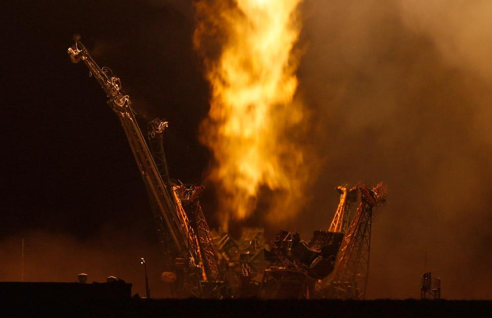 Огонь во время старта космического корабля «Союз ТМА-16М»