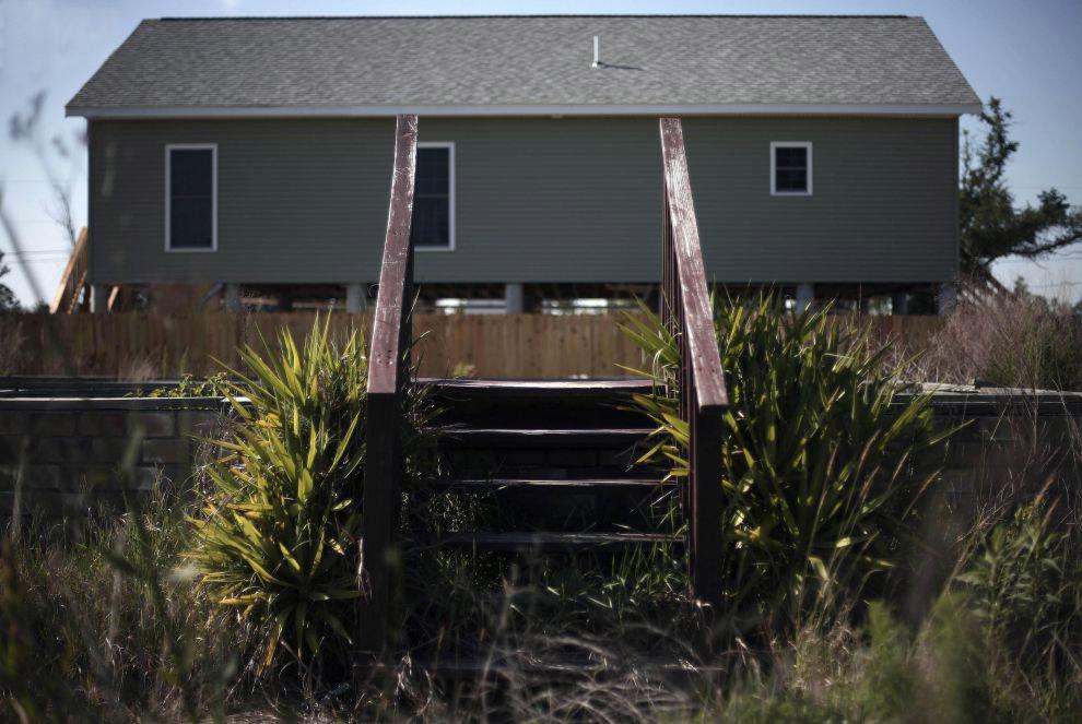 Заброшенные дома на побережье Мексиканского залива после урагана Катрина