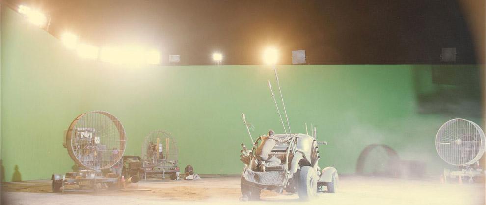 Кадр со съемочной площадки с зеленым экраном и финальный кадр