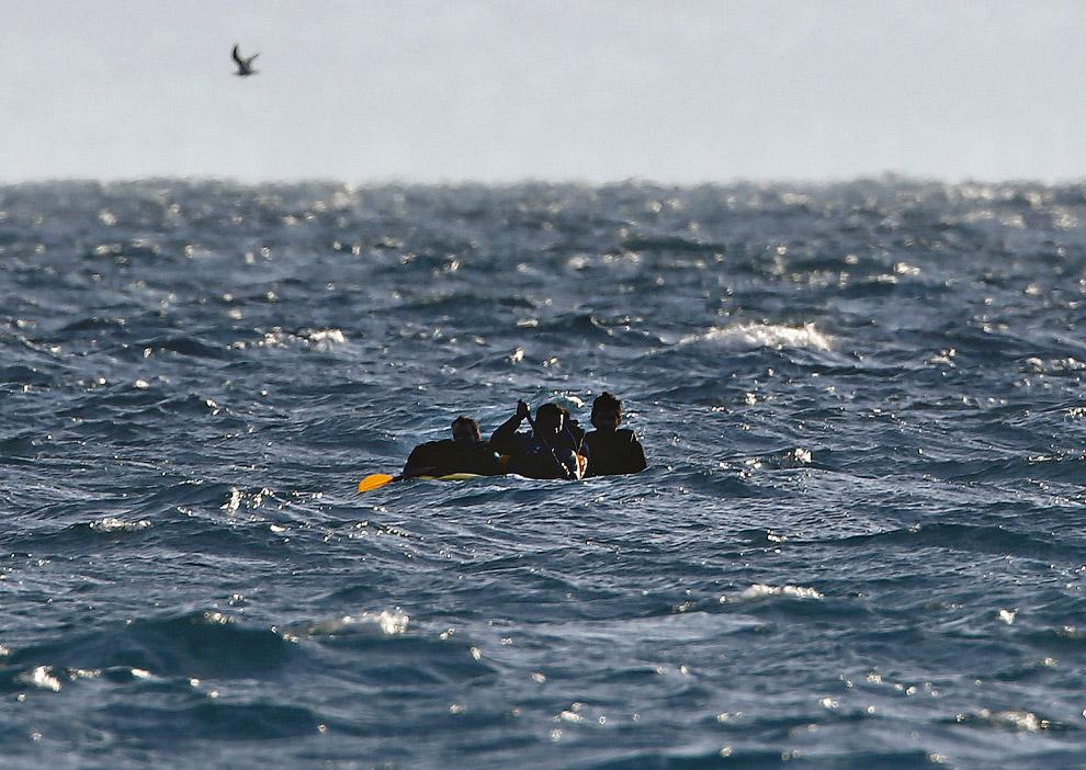 Пакистанские мигранты в бурном море между Грецией и Турцией