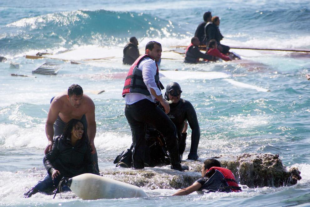 Деревянная лодка с мигрантами утонула в Эгейском море