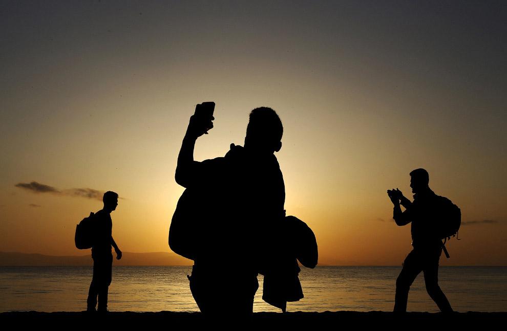 Афганские иммигранты высадились на греческом острове Кос