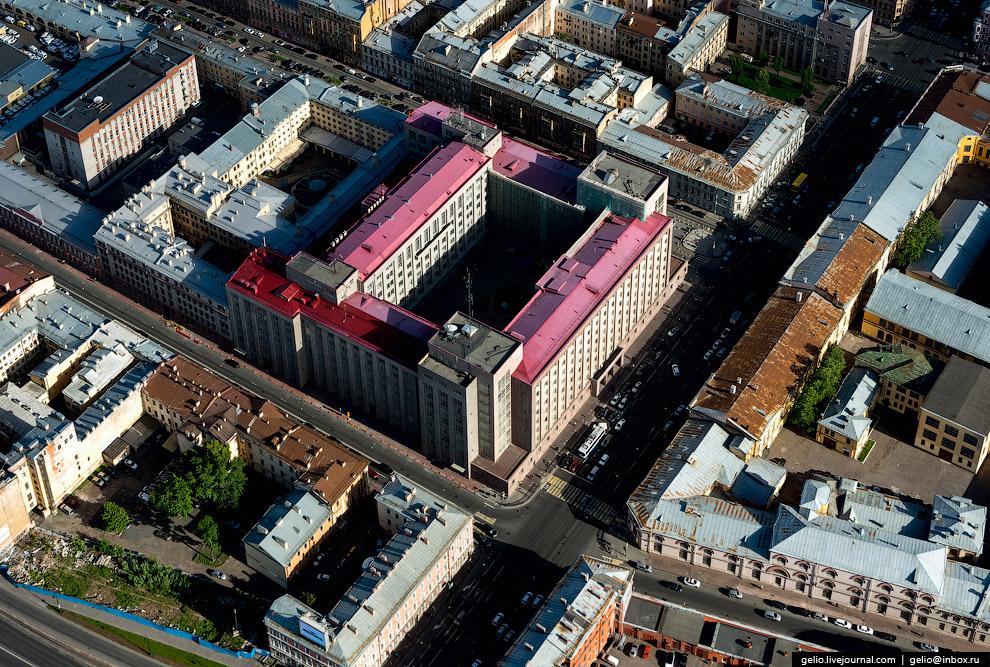 «Большой дом» — управление ФСБ по Санкт-Петербургу и Ленинградской области.