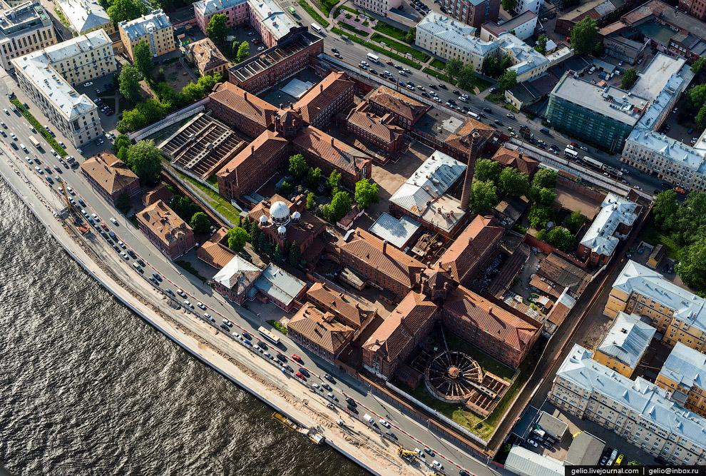 «Кресты» — один из наиболее известных и крупных следственных изоляторов в России.