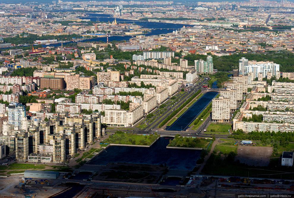 Река Смоленка и Новосмоленская набережная.