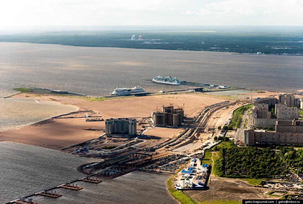 «Морской фасад» — проект дополнительного расширения Васильевского острова в сторону Невской губы и создания здесь Морского порта.