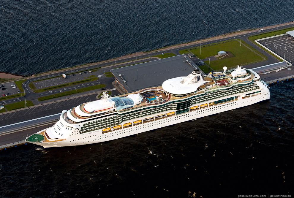 Морской пассажирский порт «Морской Фасад». Круизное судно «Brilliance of the Seas».