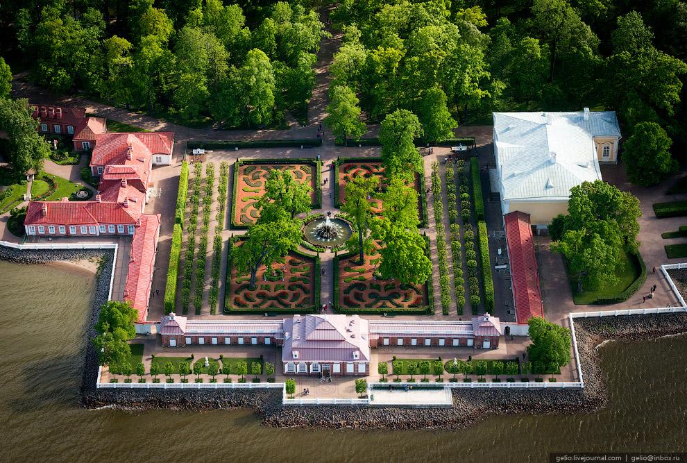 Монплезирский сад.