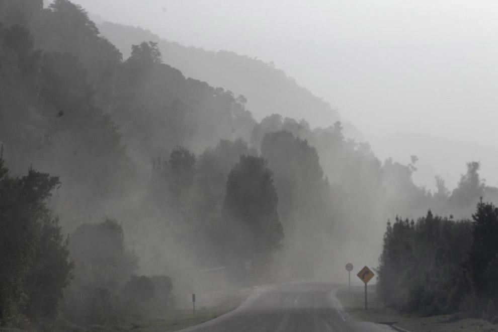 Огромное количество пепла в воздухе от вулкана КальбукоОгромное количество пепла в воздухе от вулкана Кальбуко