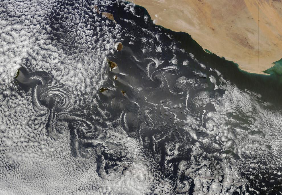 Вихри а атмосфере в районе Канарских островов