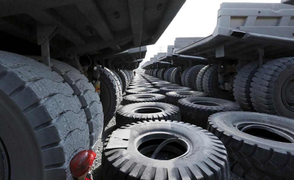 Здесь трудятся самосвалы Катерпиллер грузоподъемностью 136 тонн