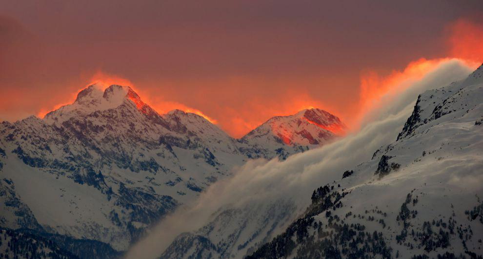 Закат в горах Швейцарии