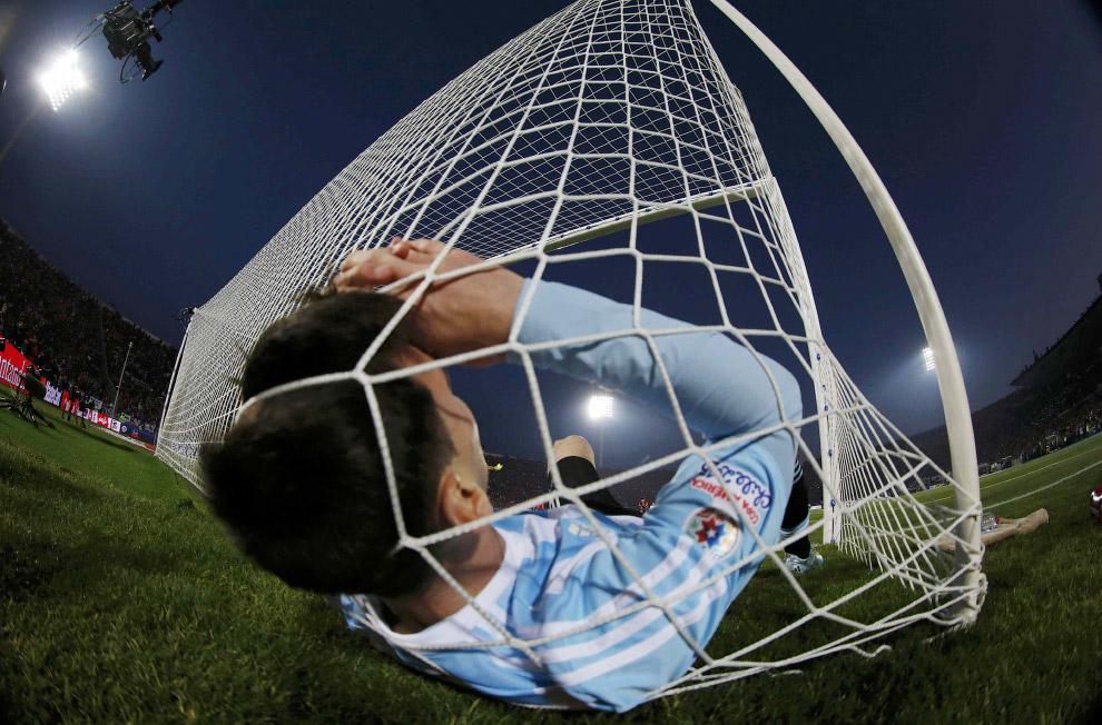 Нападающий Аргентины Лионель Месси в воротах