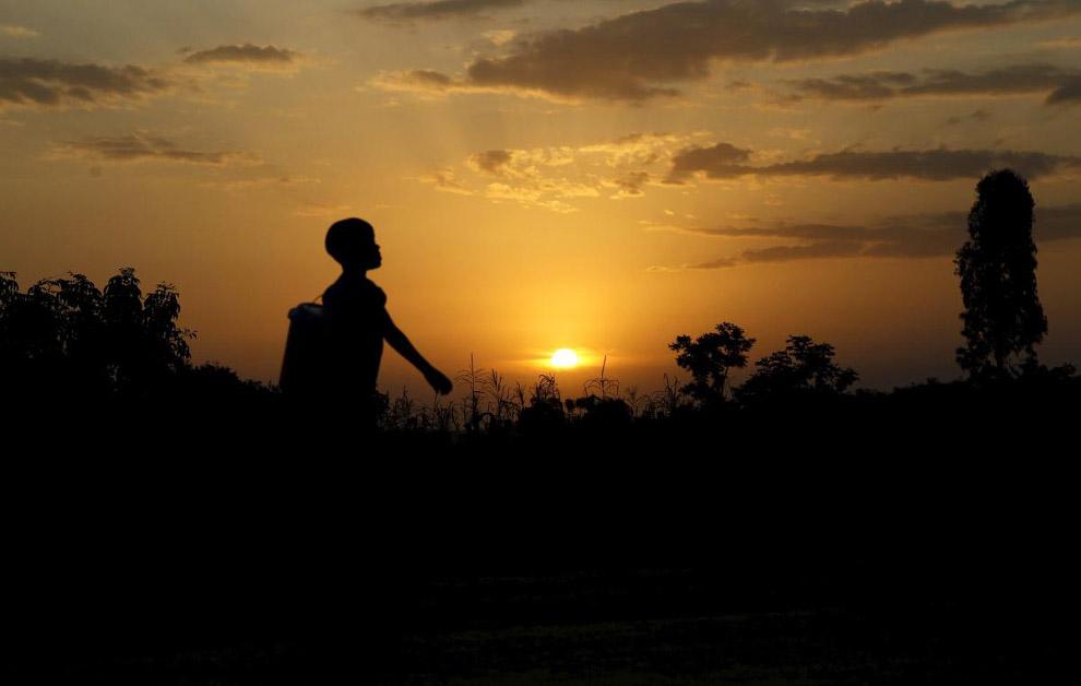 Закат в деревне Когело, где родился отец Обамы