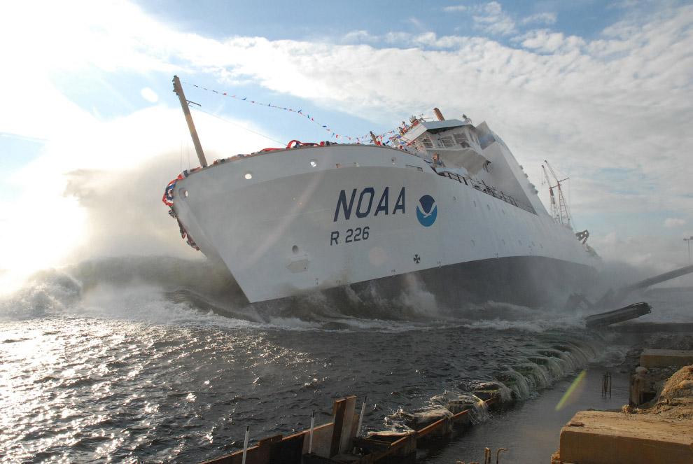Корабль организации NOAA