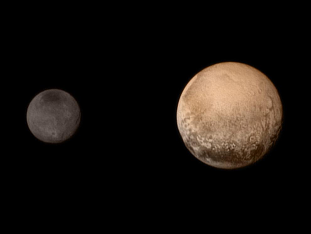 Это снимок, сделанный 11 июля 2015, когда межпланетная станция New Horizons подходила к Плутону