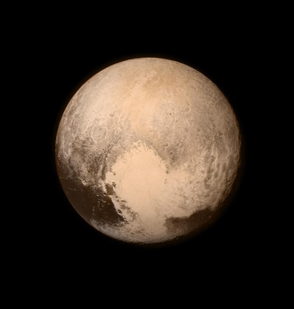 Плутон, снятый 13 июля 2015 с расстояния 768 000 км