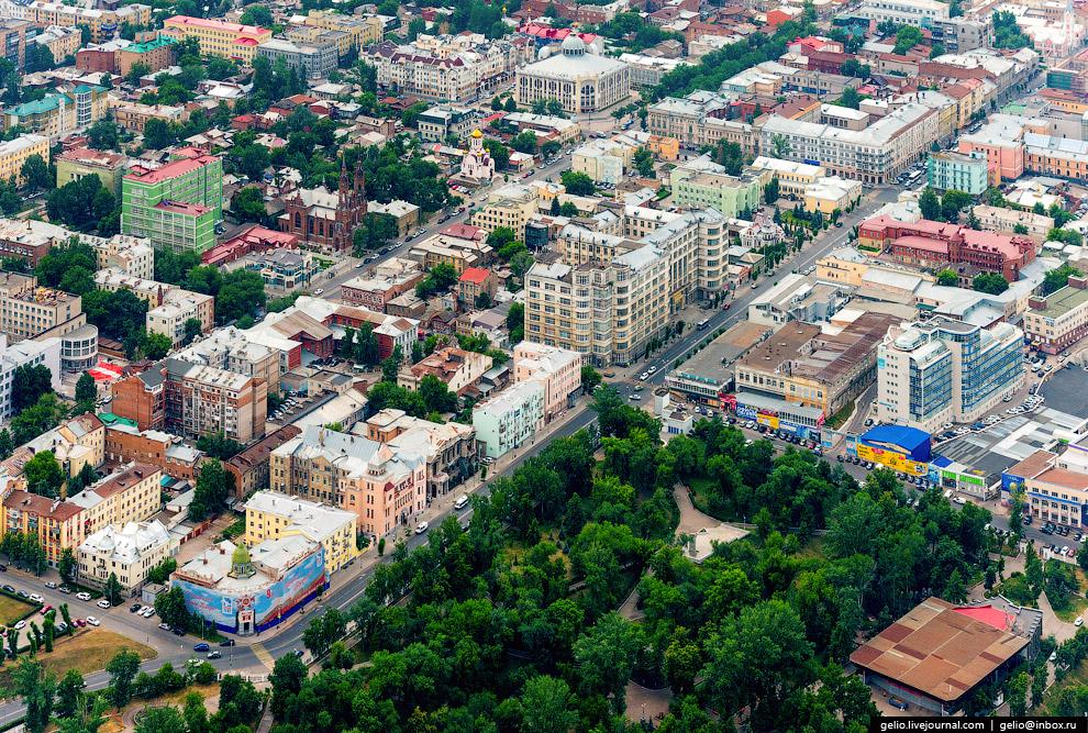Струковский сад — старейший парк города.