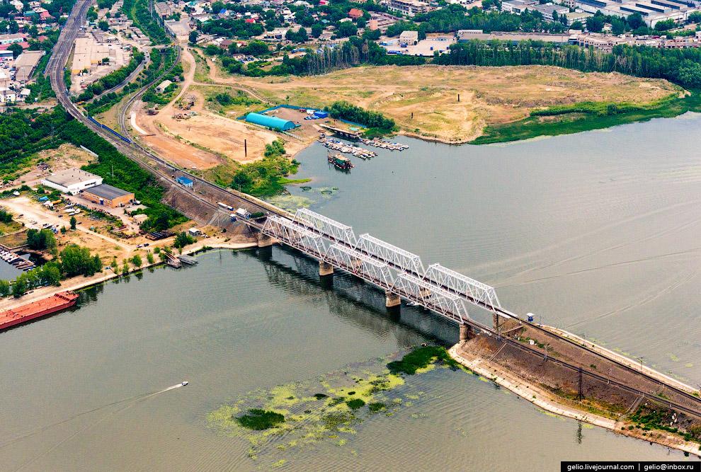 Железнодорожный мост через реку Самару.