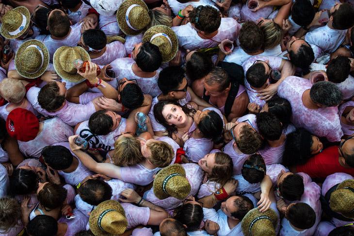 Толпа в Сангрии