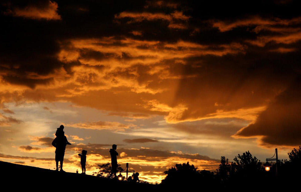 Оранжевое небо в Неваде