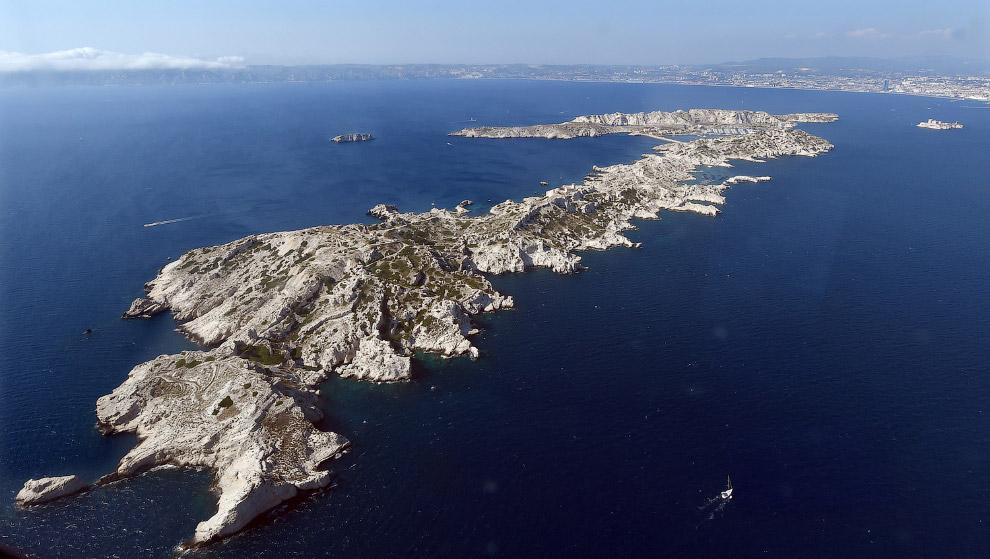 Остров в Средиземном море около Марселя, Франция