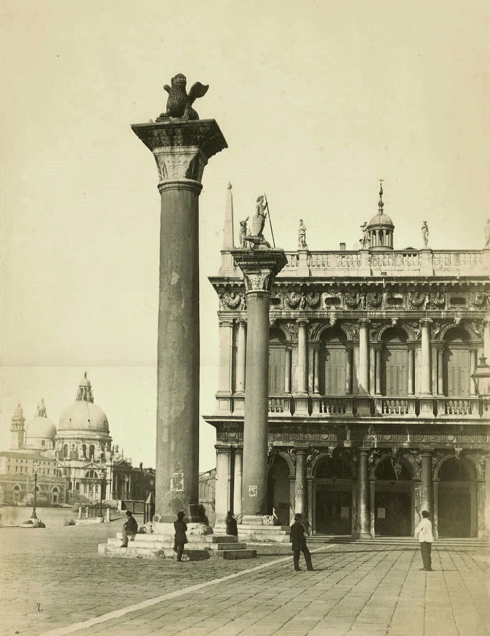 Колонны Святого Марка и Святого Теодора