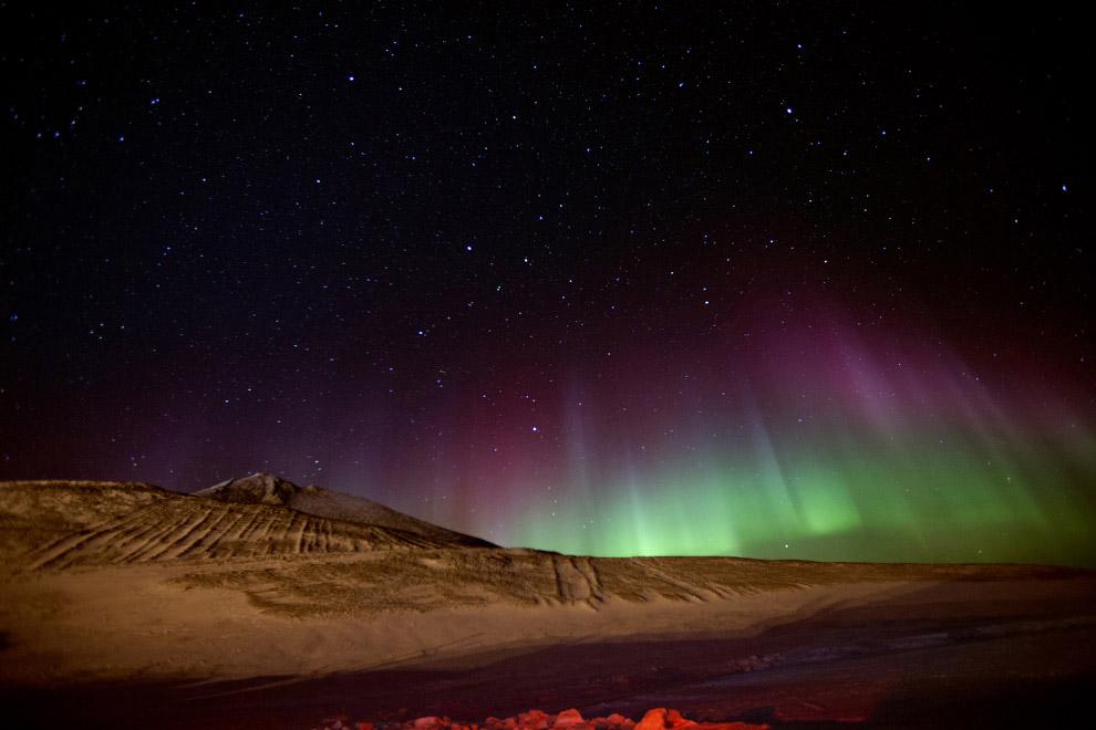 Северное сияние на антарктической станции Мак-Мердо