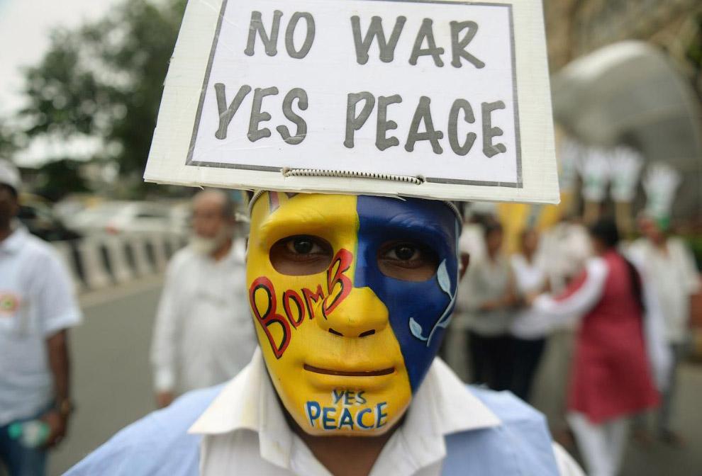 Митинг по случаю Дня Хиросимы в Мумбаи