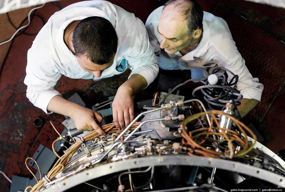 Сборка очередного опытного образца двигателя НК-361 для российской железной дороги
