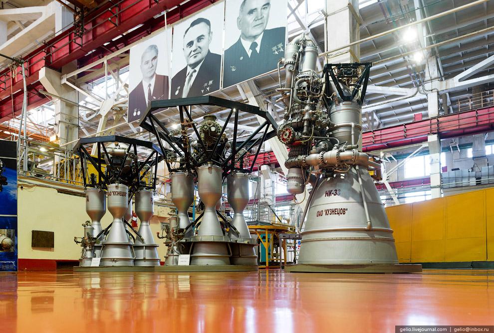 Цех окончательной сборки серийных ракетных двигателей