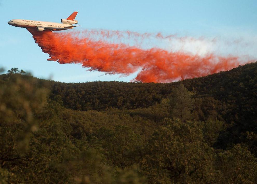 Могучий пожарный самолет