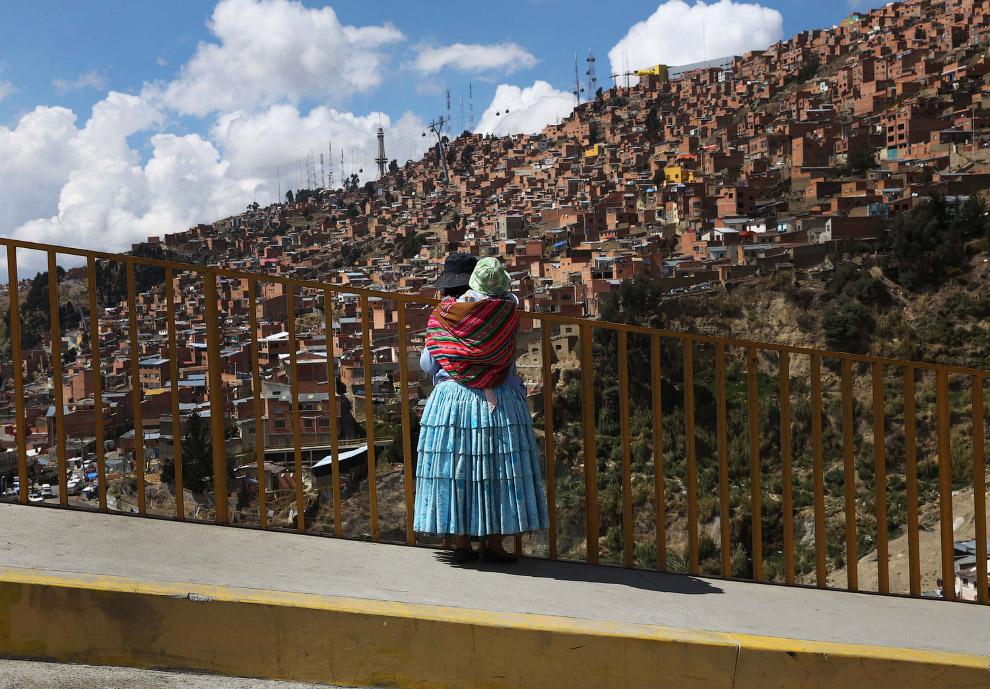 Город Ла-Пас в Боливии и самая высокая канатная дорога в мире