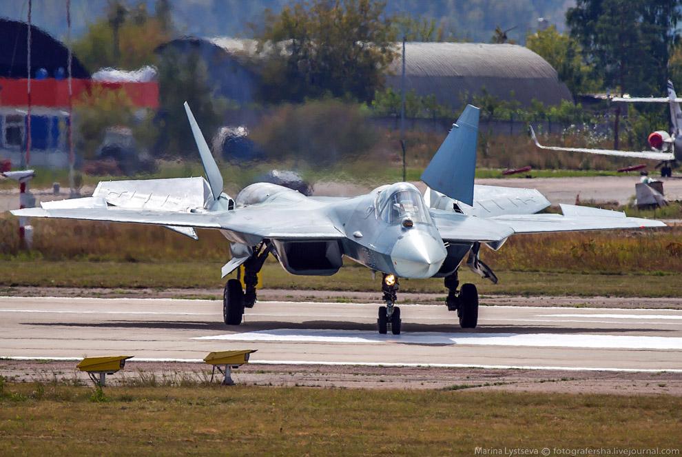 Российский истребитель пятого поколения Т-50