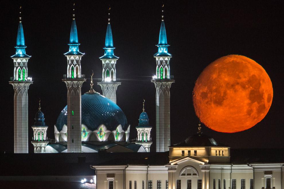 Полнолуние и Казанский Кремль, 29 июля 2015