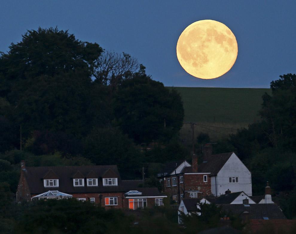 Голубая Луна, Англия