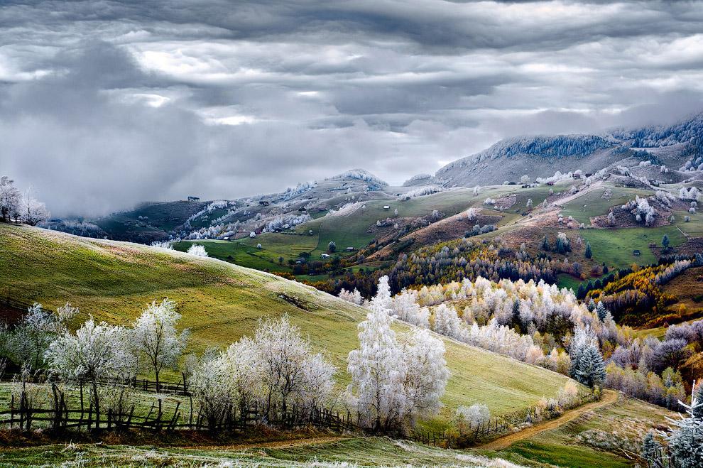 Белый иней в румынском селе
