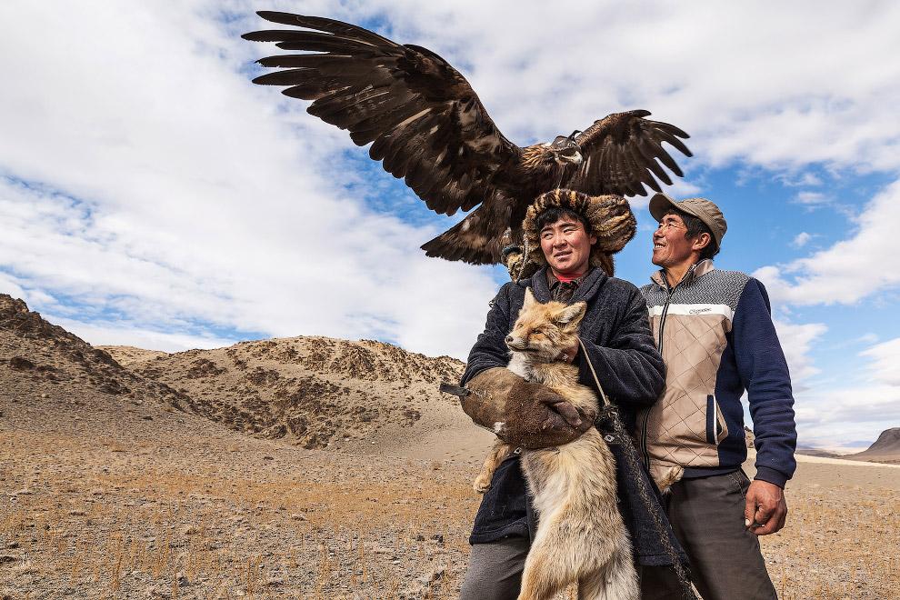 В этих краях верят, что если орел он может обходиться, то он умрет