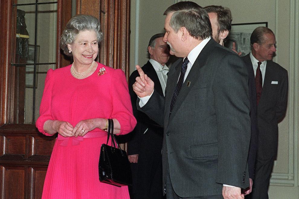 Президент Польши Лех Валенса и королева
