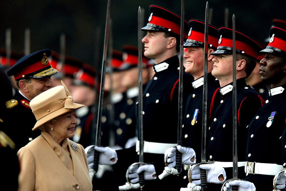 Королева в военной академии