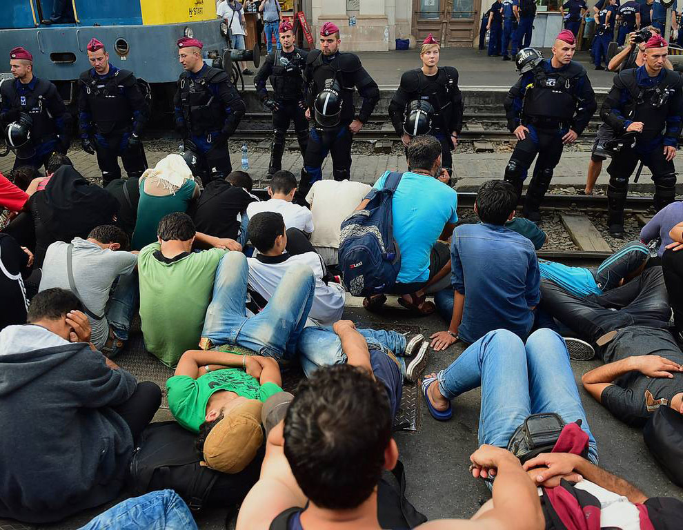 Тех, кто был в то время на вокзале Келети в Венгрии, полиция не допускала к поездам