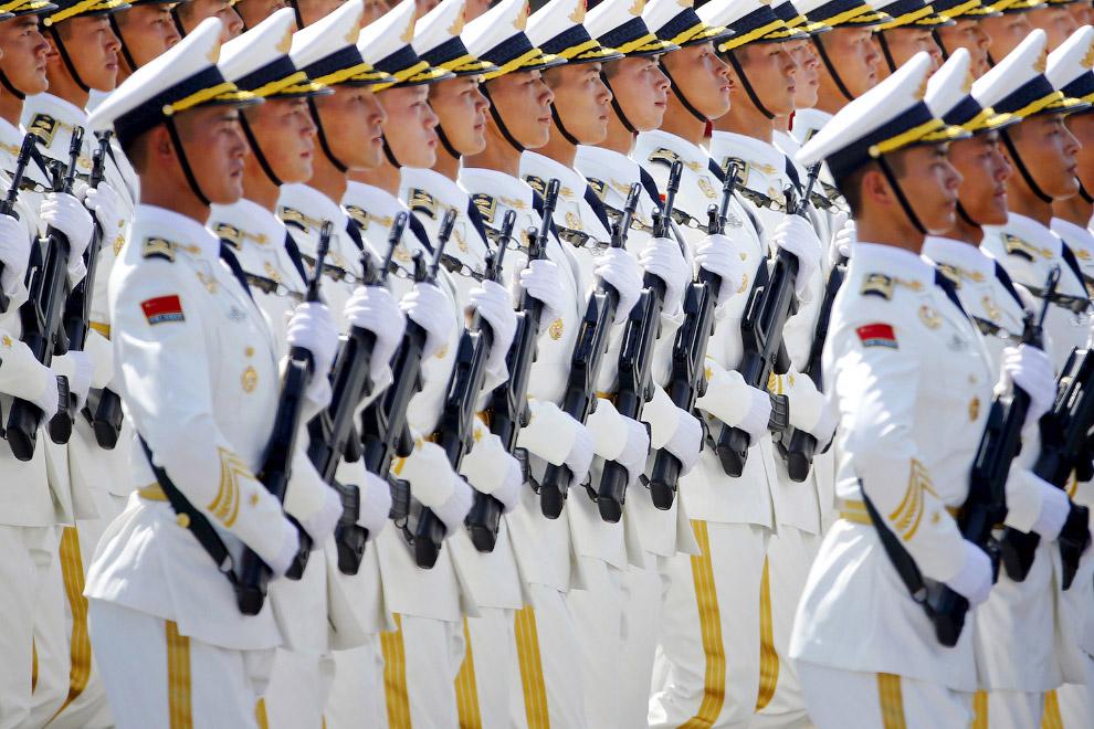 Морская пехота на площади Тяньаньмэнь