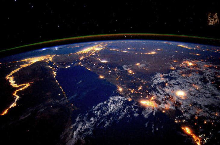 Район реки Нил ночью
