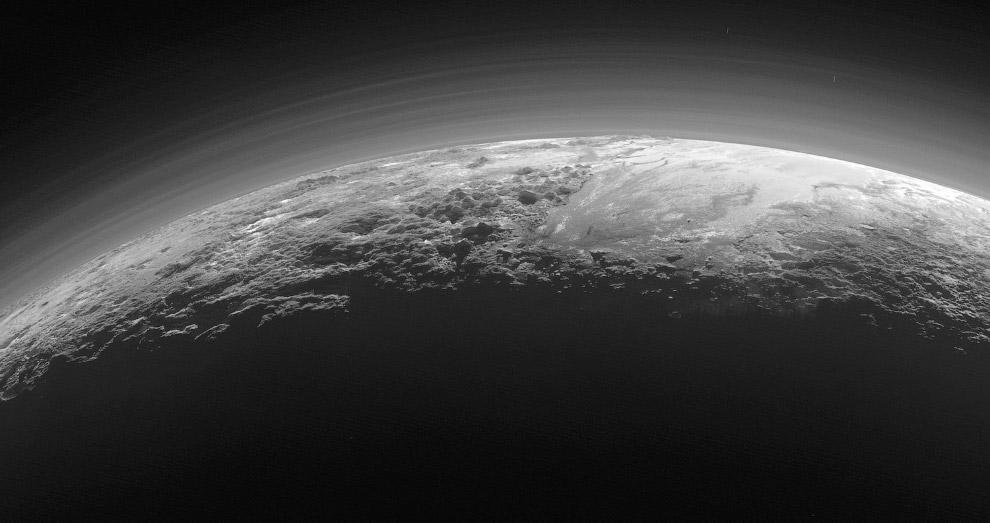 Еще один снимок Плутона, сделанный с расстояния 18 000 километров