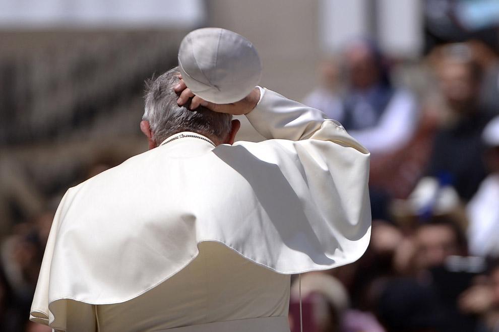 Папа римский Франциск на площади Святого Петра