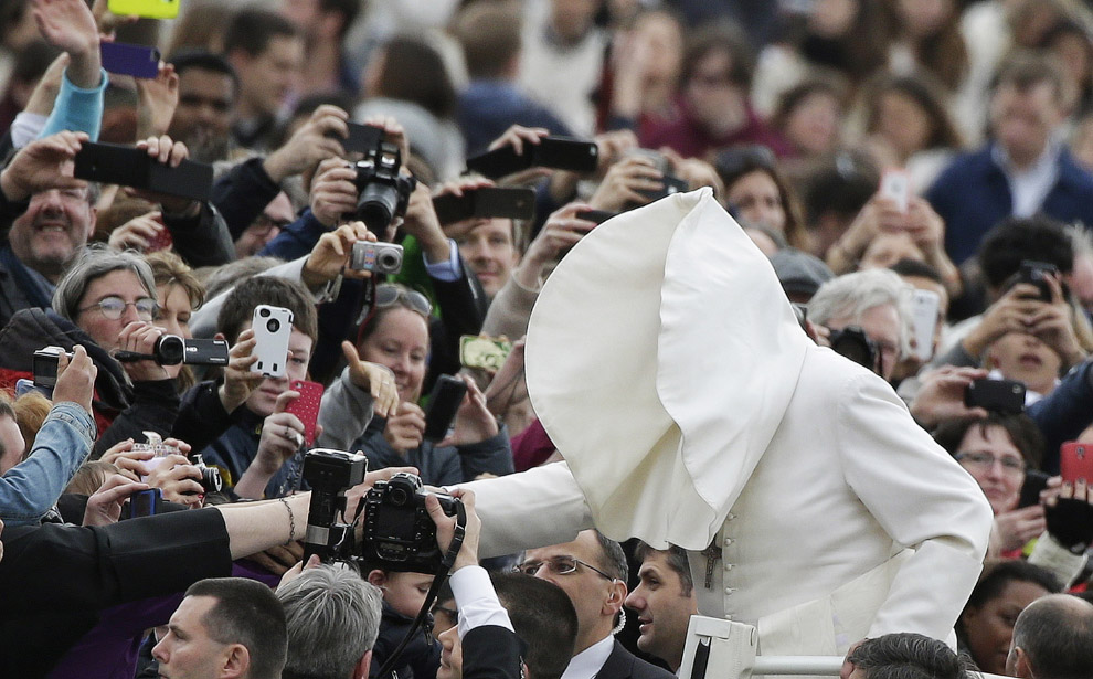 Папа Франциск на площі Святого Петра